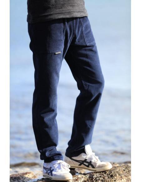 Pantalon en velours côtelé bleu marine par Coton Marine 39,90€